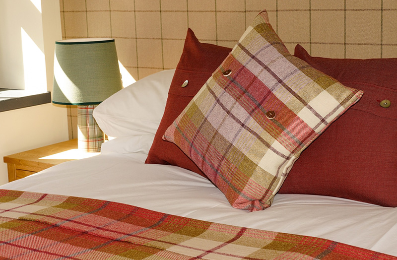 eilean-donan-apartments-double-bed