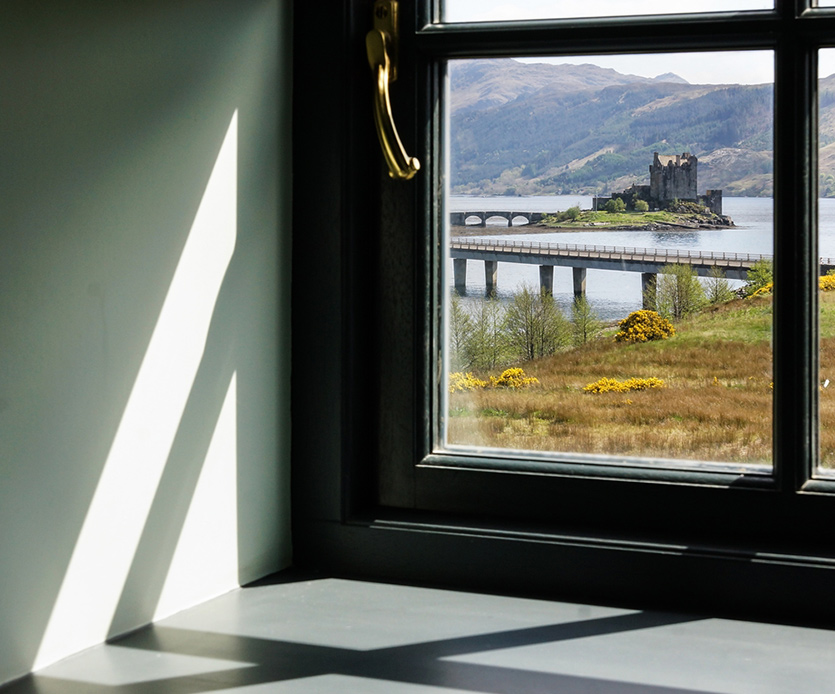 Eilean Donan Apartments, Sunlight window